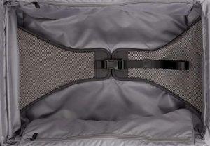 Tumi Alpha 2 equipaje de mano negra tejido interior