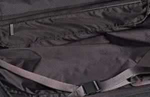 Tumi maleta V3 expandible negra diseño interior