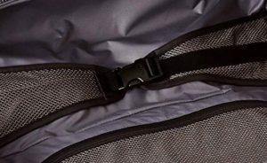 Tumi portatrajes negro diseño interior